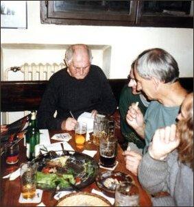 Prawie każdy wieczór pisarz spędzał w towarzystwie przyjaciół