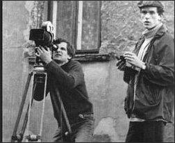 Krzysztof Kieślowski ze znanym fotografikiem Piotrem Jaxą (reprodukcja z albumu 'Kieślowski', wyd. Warszawa 1997)