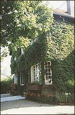 Dom, w którym dziś mieści się siedziba Instytutu Literackiego - foto:   M. Kubik
