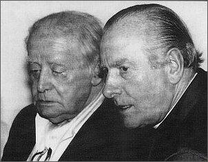 Jerzy Giedroyc i ks. Zenon Modzelewski. Wieczór w centrum Dialogu, Paryż,   24.06.1992 r. (ze zbiorów Danuty Szumskiej)