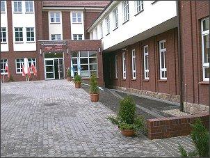 Zapraszamy do budynku Ośrodka Dydaktycznego Uniwersytetu Ślaskiego w Rybniku