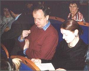 Na widowni Instytutu Polskiego w Paryżu, Bożena Mizerska, obok Wojciech Karpiński