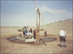 Do wodopoju garną się ludzie i zwierzęta