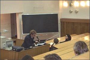 Mariusz Jankowski (UŚ) - zastępca przewodniczącego Samorządu Studenckiego MISH podczas przedstawiania struktur katowickiego MISH-u