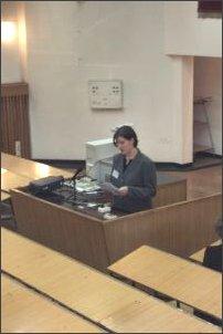 Maria Prażmowska (UŚ) w trakcie referatu 'Stereotypowe postrzeganie studentów MISH przez studentów psychologii i socjologii'