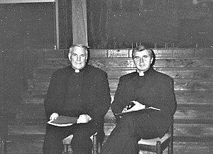 Ks. prof Cletus Kiley i ks. dr Tadeusz Czakański
