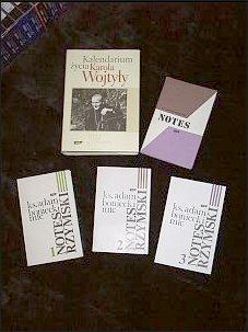 Niektóre książki ks. Adama Bonieckiego   Foto: M. Kubik