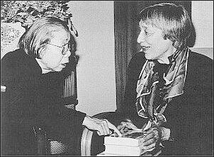 podpis: W rozmowie z Deng Xiaopingiem (1977)    Foto: Archiwum T. Kowalskiej