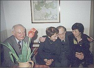 Od lewej: Jacek Bocheński, Janina Zakrzewska, Leszek Kołakowski, Hanna Geremek (Warszawa, 5.03.1994 r.   Foto: Archiwum M. Kubika