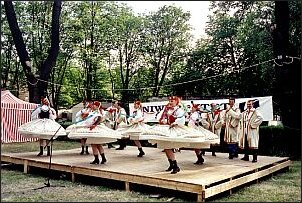 Studencki Zespół Pieśni i Tańca 'Katowice' na scenie