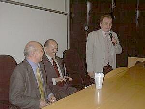 Od lewej: Ryszard Kapuściński, prof. Jan Iwanek, prof. Józef Bańka (dziekan WNS)Foto: M. Kubik