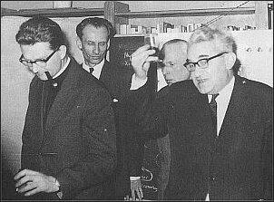 W redakcji TP: ks. Adam Boniecki, Jacek Woźniakowski, Marian Żurowski, Jerzy Turowicz (1968 r.)      Foto: Archiwum TP
