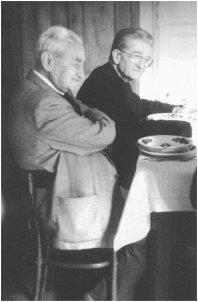 """ks. Adam Boniecki i Jerzy Turowicz      Foto: Archiwum """"TP"""""""