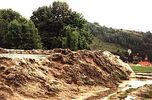 Krater trawertynowy w Niżnych Rużbachach na Słowacji