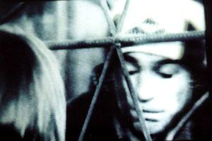 Kadr z filmu Pierwsza miłość