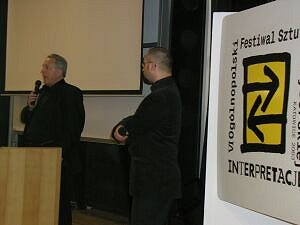 Laco Adamik i  lukasz Drewniak, dyskusja po projekcji Lorda Jima