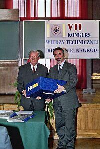 Prof. Jan Ilczuk (po lewej) i Prorektor ds. Nauki, Promocji i Współpracy UŚ prof. Wiesław Banyś