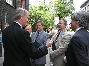 Jacek Pieter w towarzystwie prof. dr. hab. Janusza Janeczka, prof. dr. hab. Wiesława Banysia oraz prof. dr. hab. Stanisława Kucharskiego