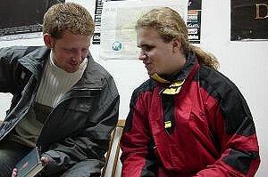Bartek i Krystian w siedzibie samorządu studenckiego WNS podczas przygotowywania artykułu