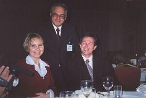 Od lewej siedzą: dr Aneta Szczygielska, przewodniczący polskiej delegacji prof. dr hab. Wojciech Nawrocik i dr Jerzy Jarosz