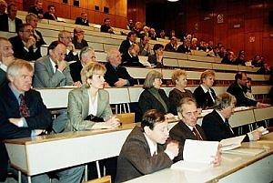 Uczestnicy jubileuszowej konferencji.