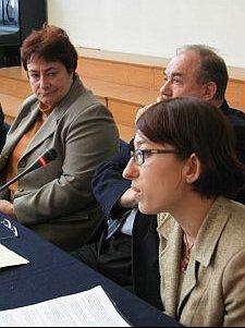 Na pierwszym planie konsultant UŚ ds. studentów niepełnosprawnych mgr Anna Wandzel