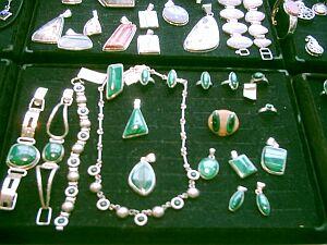 Taką biżuterie można było obejrzeć lub kupić na giełdzie