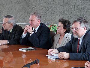 W spotkaniu udział wzięli bliscy, uczniowie i współpracownicy Profesora