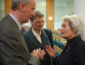 Dzieci Józefa Pietera: dr Ewa Pieter-Kania i Jacek Pieter w towarzystwie siostry Jerzego Buzka - Heleny Machy