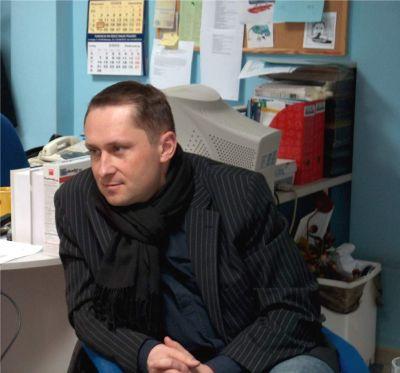 Kamil Durczok podczas wizyty w Redakcji ''Gazety Uniwersyteckiej''