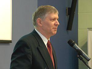 Przewodniczący Uczelnianej Komisji Wyborczej Prof. UŚ dr hab. Czesław Martysz