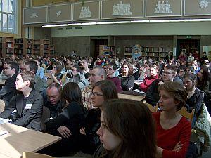 Wykłady, pokazy filmów i inne imprezy towarzyszące Dniom Kultury Kanadyjskiej odbywały się w budynku Wydziału Filologicznego w Sosnowcu