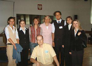 dr E. Smyrnova-Trybulska, mgr Andrzej Szczurek oraz studenci czwartego roku edukacji informatyczno-technicznej