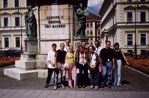 Pierwszy dzień konferencji, zwiedzanie miasta. Uczestnicy z Serbii i Czarnogóry, Czech, Polski, Wietnamu, Niemiec, Szwajcarii, Austrii i Rosji