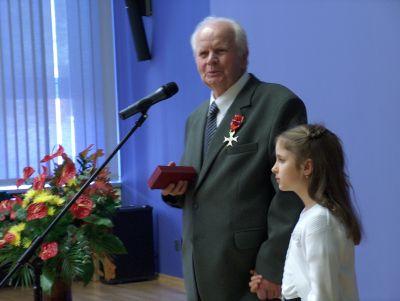 Prof. dr hab. Włodzimierz Wójcik z wnuczką