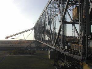 Potężny most przerzutowy o wys. 78 m i dł. ponad pół kilometra