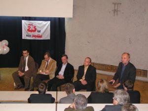 Zaproszeni goście-uczestnicy debaty, od lewej: Piotr Wilczek, Maciej Sablik. Marek Zrałek, Andrzej Drogoń i prowadzący - Roman Wyborski