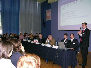 Konferencja 'Frankofoni mają perspektywy', która odbyła się 21 listopada 2005 w auli K. Lepszego na Uniwersytecie Śląskim