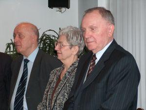 Od lewej: Profesor Janusz Sztumski, żona Profesora Krystyna Głombik, Profesor Czesław Głombik