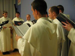 Występ scholi gregoriańskiej Wyższego Seminarium Duchownego Zakonu Paulinów na Skałce