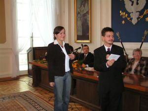 Agnieszka Turska, absolwentka AAL podczas uroczystości wręczenia dyplomów 19 grudnia 2005 roku w Warszawie
