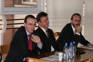 Od lewej: Krzysztof Mikuła, prof. Marek Szczepański, dr Jerzy Gorzelik