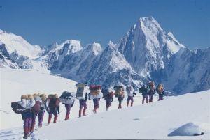 Lodowiec Baloro, w drodze pod K2 zimą 1987/88