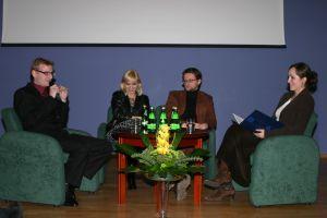 Od lewej: Adrian Konarski, Magdalena Piekorz, Wojciech Kuczok, Agnieszka Turska