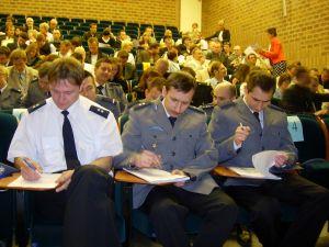 Przedstawiciele służb mundurowych koncentrują się na rozwiązywaniu zadań