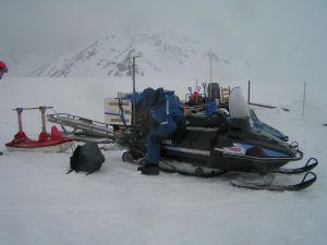 Prace terenowe na lodowcu