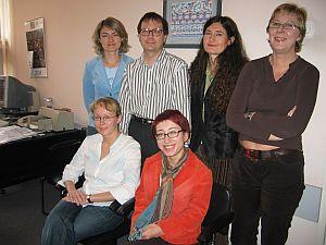 Od lewej stoją: Joanna Trela, Marek Piestrzyński, Maria Gałuszka, Dorota Pytka; od lewej siedzą: Monika Wąsik, Anna Wandzel