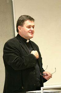 Ks. prof. UŚ dr hab. Józef Budniak - przewodniczący Komisji w latach 2004-2007