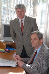 Od lewej: dr Zdzisław Lekston i prof. dr hab. Henryk Morawiec