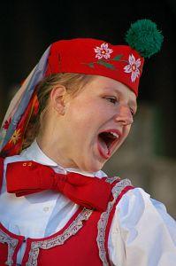 Członkini Studenckiego Zespołu Pieśni i Tańca